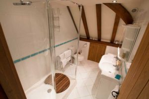 The Great Barn Bathroom 2