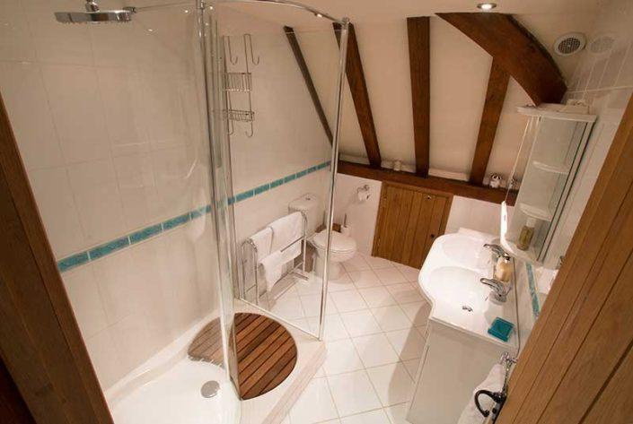 The Great Barn Bathroom 2