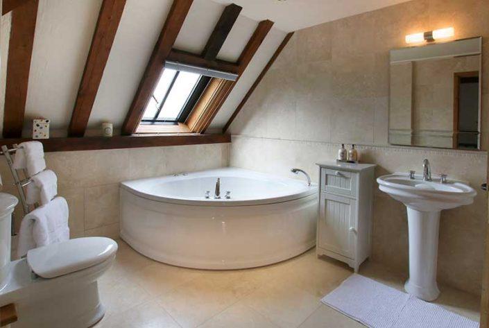 The Great Barn Bathroom 3